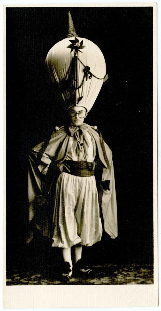 f47-786-petras-rimsa-maskarado kaukes-1927.jpg