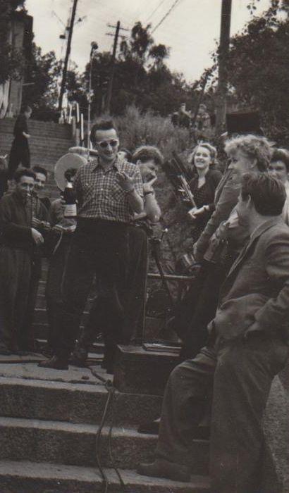"""V. Žalakevičius """"Adomas nori būti žmogumi"""" filmavimo metu. Apie 1959 m."""