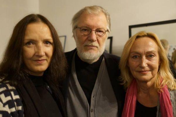 Su dviem Hildomis – aktorėmis A. Paškonyte (pirma iš kairės) ir J. Onaityte. 2013 m.