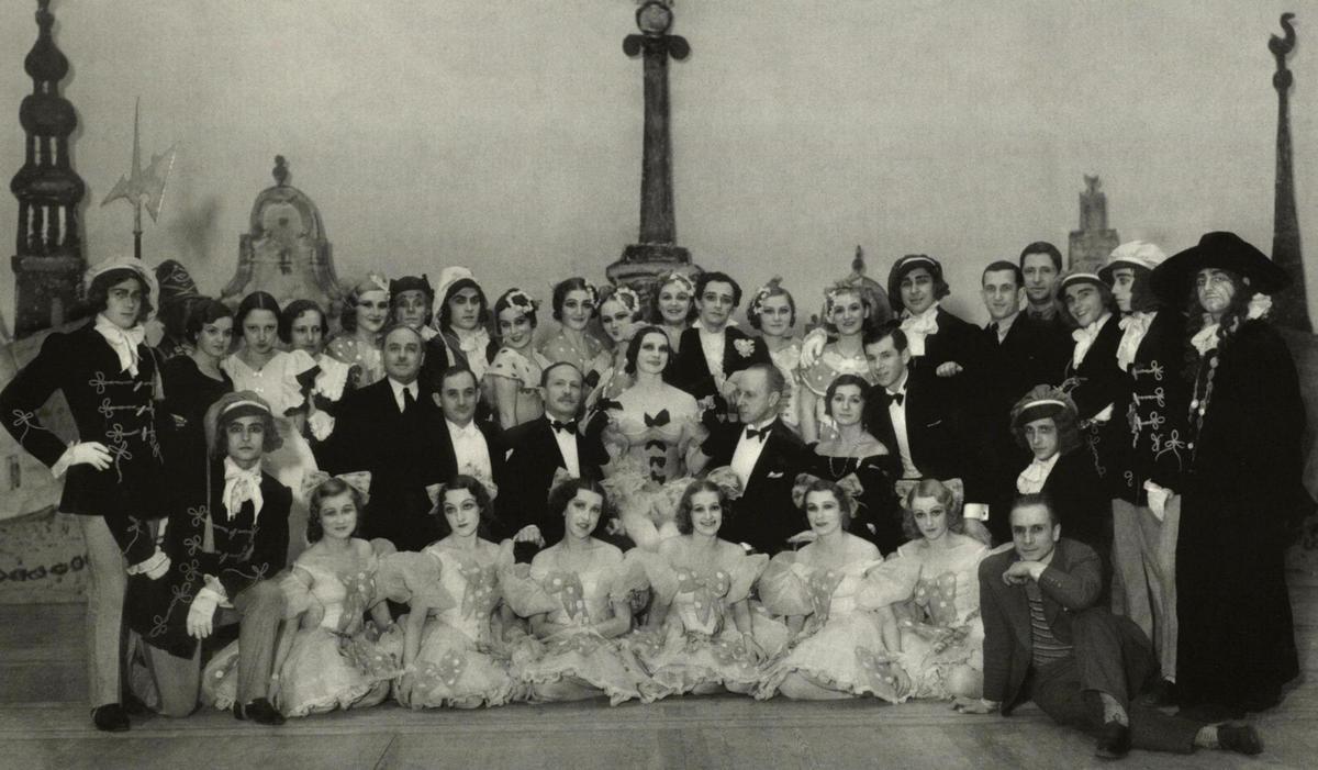 """Valstybės teatro baleto artistai po """"Kopelijos"""" spektaklio Monte Karle 1935 m."""