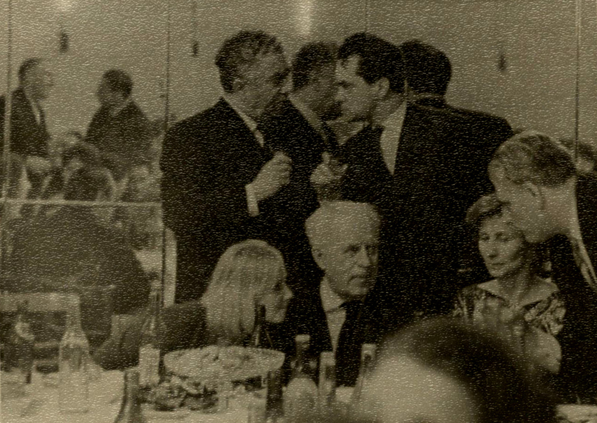 """R. Geniušas su A. Chačaturjanu po baleto """"Spartakas"""" premjeros. 1964 m."""