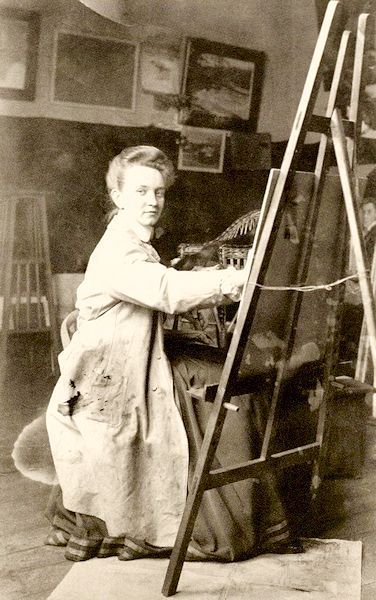 savo studijoje namuose vilniuje apie 1911a.jpg