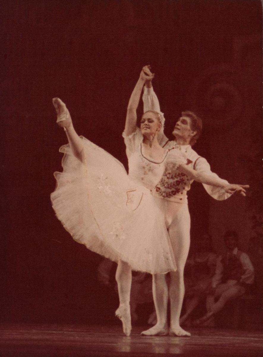 I kartą Loreta Bartusevičiūtė - Swanilda, Edvardas Smalakys - Franz. L. Delibes. Coppelia III v. 1992 gruodžio 4.
