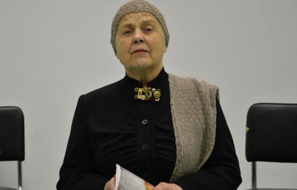 """Atminimo vakaras """"Balsas iš tylos"""" Utenos A. ir M. Miškinių viešojoje bibliotekoje. 2015 m."""