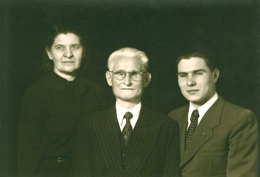 K. Grinius su žmona Kristina ir sūnumi Liūtu. Čikaga (JAV), 1949 m.