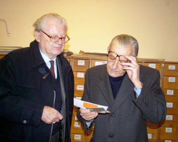 Petras Klimas jaunesnysis ir Kazys Lozoraitis (Lietuvos Respublikos diplomato Stasio Lozoraičio sūnus) Lietuvos centriniame valstybės archyve. 2003  m. lapkričio 10 d., Vilnius.