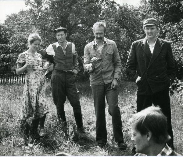 "Su filmo ""Faktas"" kūrybine grupe. 1980 m."