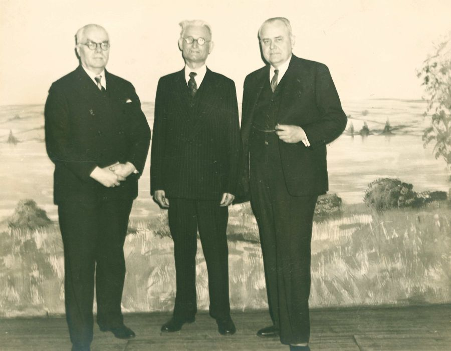 Iš kairės: P. Žadeikis, K. Grinius ir N. Rastenis. Baltimorė (JAV), 1947 m.