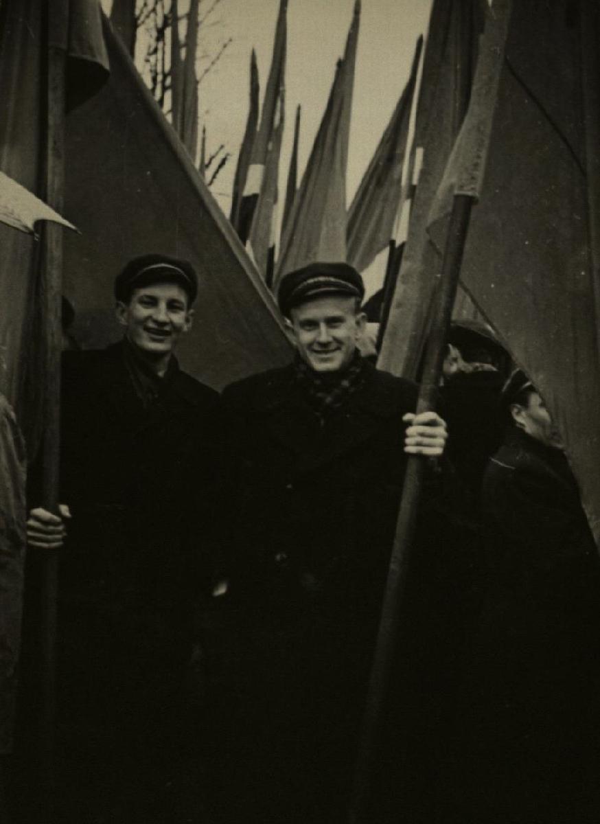 Šventinėje demonstracijoje su kurso draugu Ipolitu Ledu