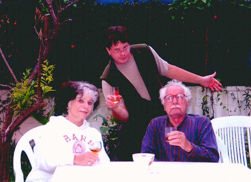 Pola Chapelle, Adolfas Mekas ir jų sūnus Sean Nicoje, Prancūzijoje. <br />  2009 m.