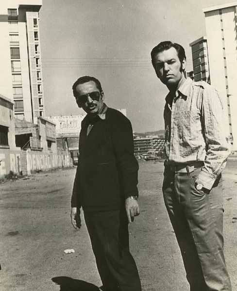 """Su kino režisieriumi V. Žalakevičiumi """"Tas saldus žodis – laisvė!"""" filmavimo metu. 1973 m., Čilė."""