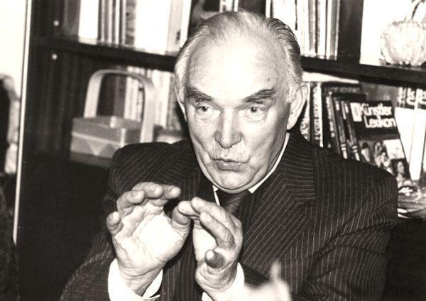 Algirdas Petrulis. 1983