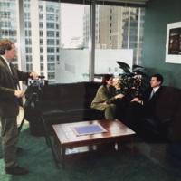 1_ALTV korespondentai Karilė Vaitkutė ir Arvydas Reneckis Lietuvos Respublikos konsulate Čikagoje su ambasadoriumi Vygaudu Ušacku.jpg