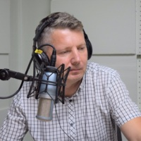 1_Latvijos lietuvių radijo programos Lietuva brangi vedėjas Rolandas Žalnierius 2019 m. rugsėji radijo studijoje.jpg