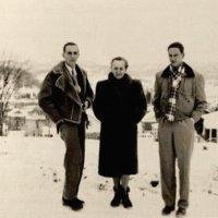 su sunumis andriumi ir edvardu Sant Adeleje 1952 kaledos2.jpg